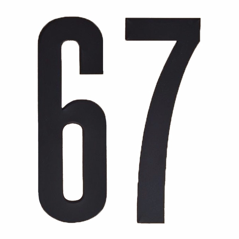 Naamsticker cijfer 67 zwart