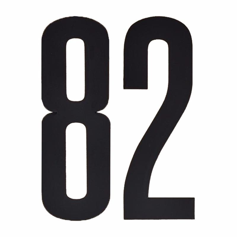 Naamsticker cijfer 82 zwart